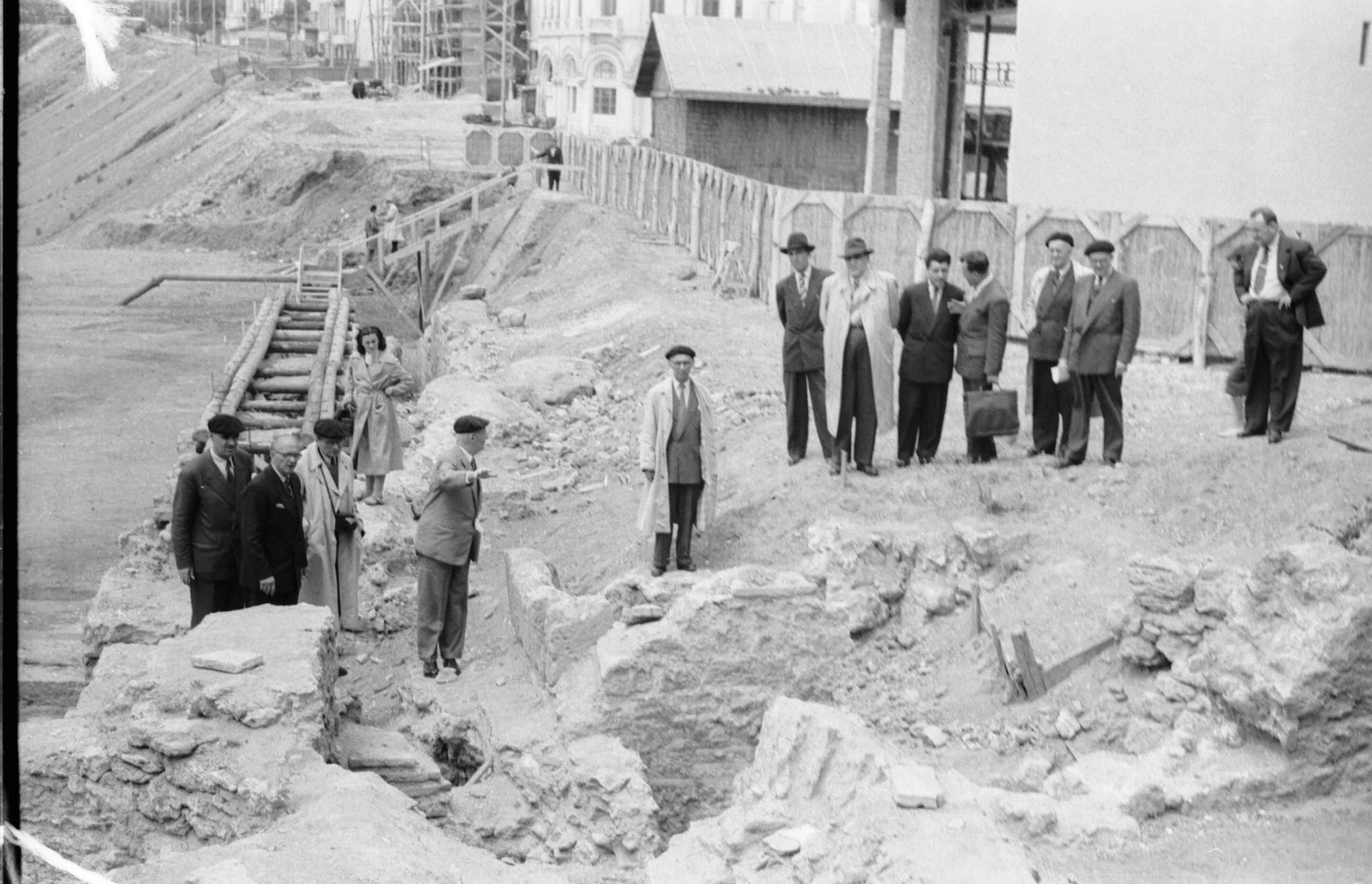 29 mai 1960 - vizita in timpul cercetarii arheologice